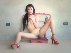 Tag: tacchi, in solitaria, erotico.