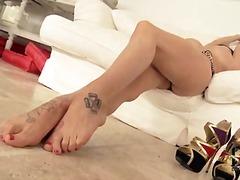 Tag: fetish, punheta com os pés.