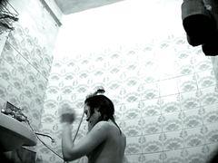 תגיות: ווייר, מקלחת, ערומות, ריגול.