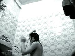 Tags: paninilip, banyo, nakahubad, espiya.