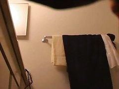 Tags: vannā, slēptā kamera, spiegi, meitene.