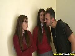 Tagy: uniformy, v škole, pošvy, tínedžerky.