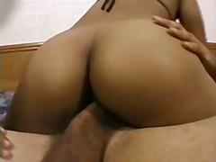 Žymės: juodaodžių porno, japonės, šlapios, brunetės.