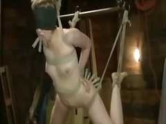 Tag: penghinaan, dominasi, perhambaan, ekstrim.