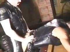 Žymės: uniformos, analinis, gėjų porno, oralinis.