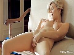 Тагови: голи, гол, секси гаќички, убава.
