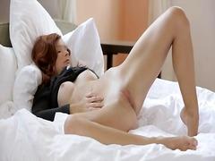 Tag: menggosok, seluar dalam perempuan, dicukur, orgasma.