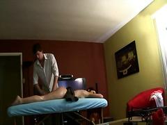 Oznake: masaža, ulje, erotski.