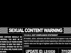 Ознаке: pornićarka, lezbejke, velike sise, tinejdžeri.