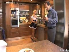 टैग: रसोई, सुनहरे बाल वाली, खूबसूरत, कामुक.