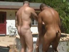 Tag: luar rumah, wanita gemuk, porno hardcore, bertiga.