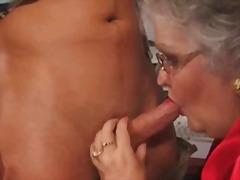 Тагови: зрели за секс, голема убава жена, баба, тинејџери.