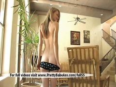 Žymės: striptizas, blondinės, paaugliai, moterų ejakuliacija.
