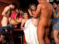 Tag: telanjang, lelaki, remaja, berpakaian.