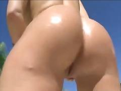 Blonde show her hot big ass.