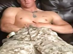 Žymės: uniformos, fetišas, masturbacija, solo.