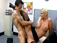 Tags: büro, uniform, pornostar, blond.