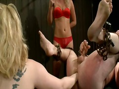 علامات: نساء مسيطرات, قضيب جلد, تقييد وسادية.