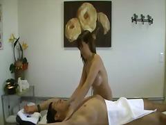 Теги: азиатки, массаж, сиськи, большая грудь.