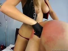 Taggar: dominant kvinna, fetisch.