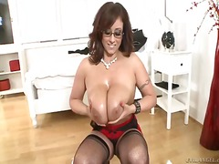 Spectacled mature eva notty gives titjob.