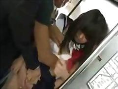 Žymės: japonės, viešumoje, grupinis prievartavimas.