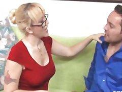 Tag: ibu seksi, rambut blonde, lancapkan, lancap.