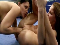 Nudefightclub presents aletta ocean vs. kissy.