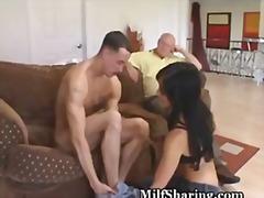 태그: 란제리, 브루넷, 섹시한중년여성, 자취방.