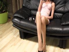 Ознаке: starije, fetiš, ženska dominacija, fetiš na stopala.