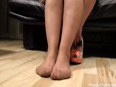 Tags: stocking, pantyhose, naylon, matanda.
