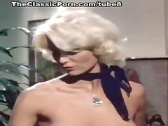 Tag: bintang porno, pakaian dalam, rambut blonde, isap.