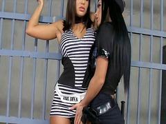 Tags: lezbi, döşlər, gözəl qız.