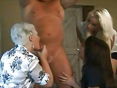 Taggar: grupp, babe, förnedring, dominant kvinna.