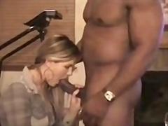 Тагови: сопруга, прв, домашно, кур.