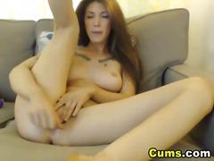 Тагови: избричена, мастурбација, веб камера, триење.
