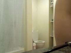 Теги: замужние, в ванной.