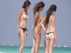 Oznake: na plaži, vohun, punca, italijanka.