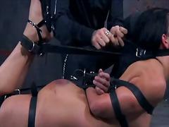Tagy: ponižovanie, otroctvo, holky, otroci.