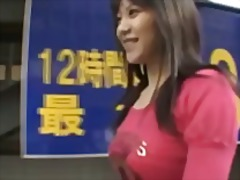 Žymės: azijietės, viešumoje, po sijonu, japonės.