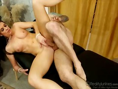 India summer gives mouth job like no other and hard cocked guy knows it.
