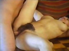 태그: 사정, 섹시한중년여성, 빈티지, 털북숭이.
