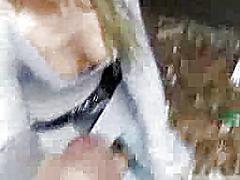 Žymės: blondinės, ji smauko, viešumoje, spermos šaudymas.