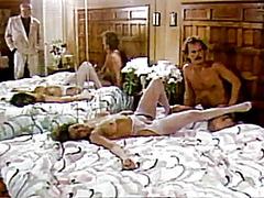 Žymės: porno žvaigždė, vintažas, plaukuotos putės.