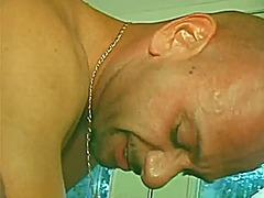 Oznake: svršavanje po licu, riđokosa, seks u troje, zrele žene.