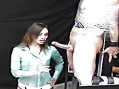 Ознаке: ženska dominacija, smešno, sado-mazo.
