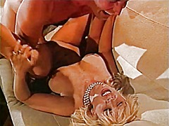 Žymės: blondinės, porno žvaigždė, vintažas, spermos šaudymas.