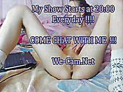 Oznake: djevojka, masturbacija, solo, webcam.