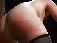Тагови: понижување, робување, девојче, роб.