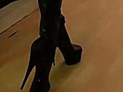 标签: 皮靴女郎, 皮衣的诱惑.